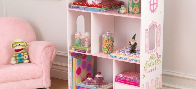 Как сделать красивый шкаф для кукол из подручных средств?