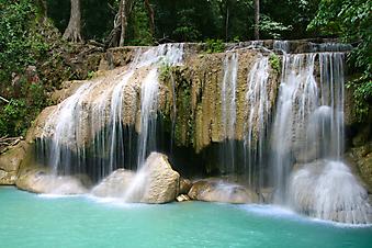 Водопад Эраван в Канчанабури, Таиланд. (Код изображения: 01003)