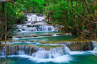 Водопад в лесу Канчанабури, Таиланд. (Код изображения: 01005)