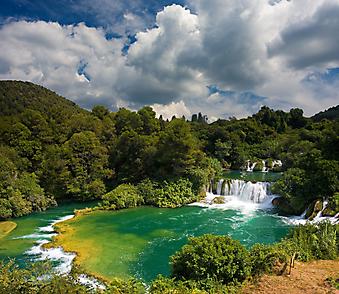 Каскад водопадов в парке Крка, Хорватия (код изображения: 01017)