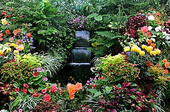 Водопад в саду Бутчартов. Канада (Каталог номер: 01024)