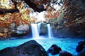 Голубая вода у водопада (Каталог номер: 01028)