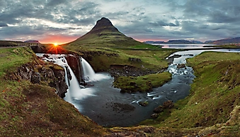 Закат над водопадом в Исландии (Каталог номер: 01049)