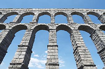 Акведук Сеговия. (Код изображения: 16006)
