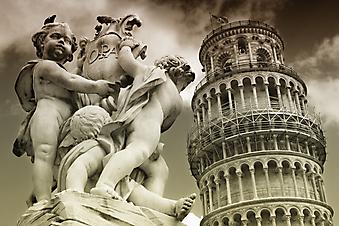 Падающая башня и статуя Ангела в Пизе. (Код изображения: 16016)