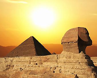 Сфинкс и пирамиды. (Код изображения: 16030)