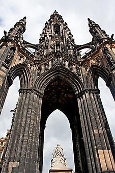 Памятник в Эдинбурге, Шотландия. (Код изображения: 16038)
