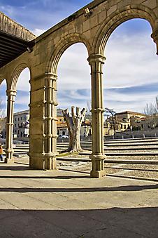Базилика Сан-Висенте в Авила. (Код изображения: 16040)