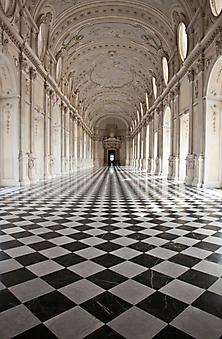 Королевский дворец. (Код изображения: 16043)