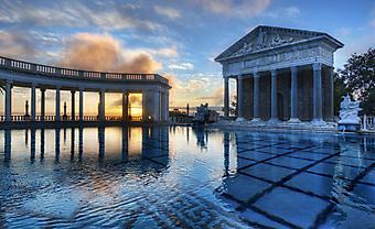 Бассейн Нептун в Замке Херста. Калифорния (Код изображения: 16062)