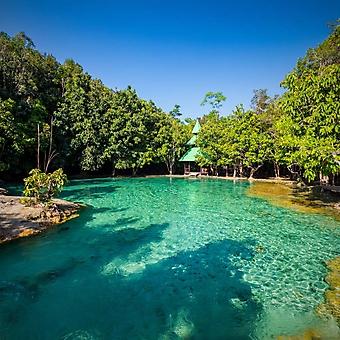 Природный бассейн на острове Краби (Каталог номер: 19111)