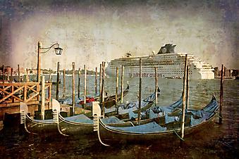 Круизный лайнер - Венеция. (Код изображения: 21022)