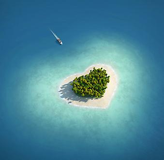 Райский Остров в форме сердца. (Код изображения: 21045)