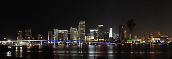 Небоскребы ночного Майами. (Код изображения: 02100)