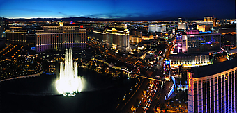 Ночной Лас Вегас, панорама. (Код изображения: 02110)