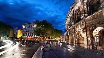 Кафе возле Колизея, Рим. (Код изображения: 02119)