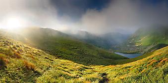 Красивый горный пейзаж. (Код изображения: 03003)