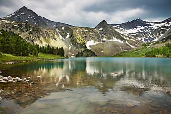 Горное озеро. (Код изображения: 03011)