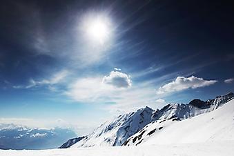 Снежная вершина под солнцем (Каталог номер: 03057)