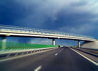 Современное шоссе. (Код изображения: 06011)