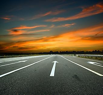 Дорога на закате. (Код изображения: 06017)