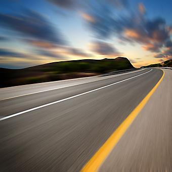 Дорога и закат солнца. (Код изображения: 06021)