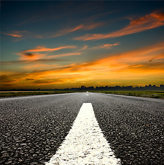 Дорога на закате. (Код изображения: 06025)