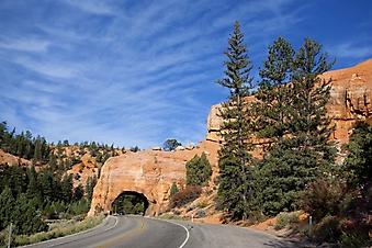 Туннель в скале (Каталог номер: 06040)