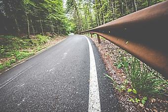 Отбойник на горной дороге (Каталог номер: 06064)