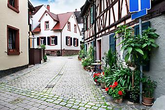 Красивый старый город. (Код изображения: 14004)