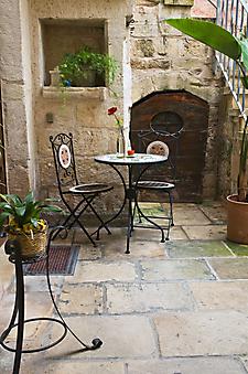 Дворик, Италия. (Код изображения: 14029)