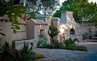 Уютный дворик с печкой, Испания (Код изображения: 14051)