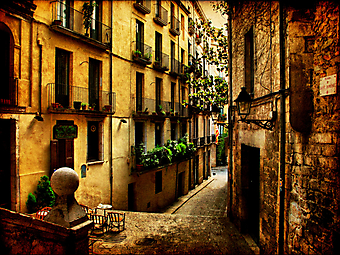 Узкая старая улочка (Код изображения: 14056)