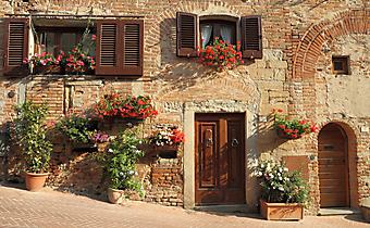 Старая Итальянская улочка с цветами (Каталог номер: 14092)