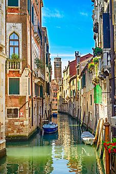 Узкий канал Венеции, Италия. (Каталог номер: 14134)