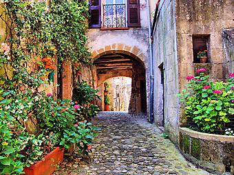 Арочный проход через дом в Тоскане (Каталог номер: 14135)
