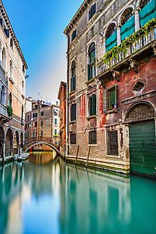 Старый мост через канал, Венеция, Италия. (Каталог номер: 14137)