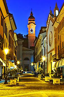 Фонари на старой итальянской улице (Каталог номер: 14142)