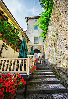 Лестница в старом городе (Каталог номер: 14172)