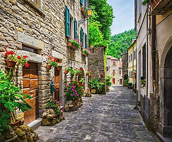 Украшенная цветами итальянская улочка (Каталог номер: 14173)