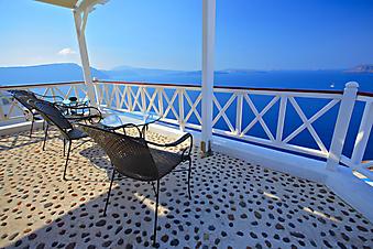 Терраса с видом на море. (Код изображения: 15002)