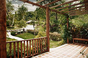 Летняя терраса. (Код изображения: 15003)
