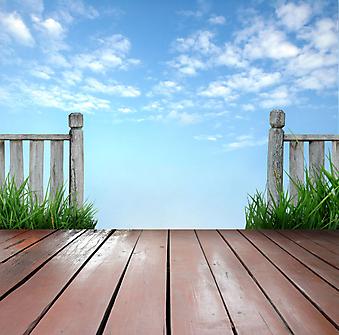 Балкон и голубое небо. (Код изображения: 15010)