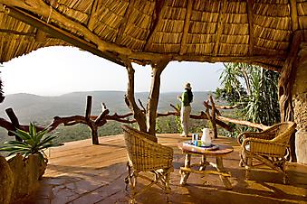 Завтрак на балконе. Кения (Код изображения: 15035)