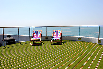 Вид на пролив с террасы корабля (Код изображения: 15044)