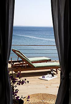 Окно с видом на море (Каталог номер: 15053)