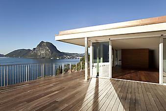Огромный балкон с видом на горы (Каталог номер: 15056)