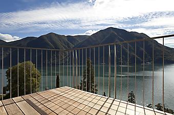 Балкон с потрясающим видом (Каталог номер: 15058)