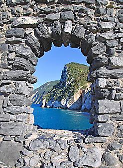Окно с видом на море, Лигурия (Каталог номер: 15093)