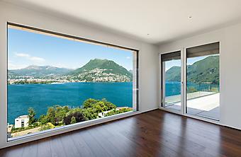 Современный особняк с панорамным окном (Каталог номер: 15104)